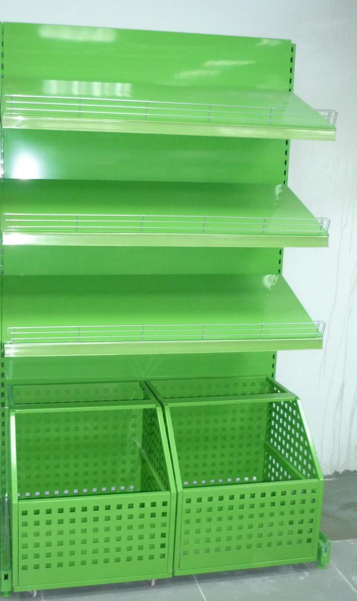 Овощной стеллаж с выкатными корзинами и зеркальным фризом с подсветкой